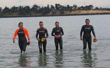 3km ocean swimmers L-R: Jackie Bennett, Jane Sutherland, Karen Hodgkinson and Raewyn Winsley.