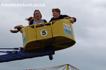 caroline-bay-carnival-day-four-0030