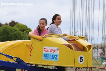 caroline-bay-carnival-day-four-0065