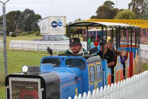 caroline-bay-carnival-day-four-0098