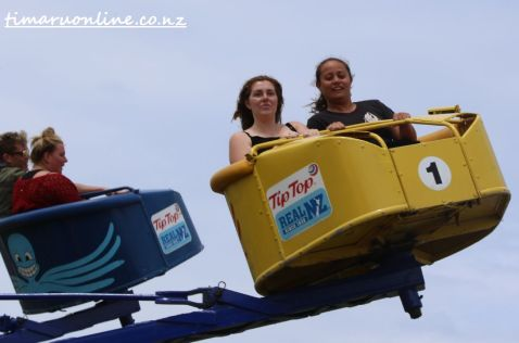 caroline-bay-carnival-day-six-0110