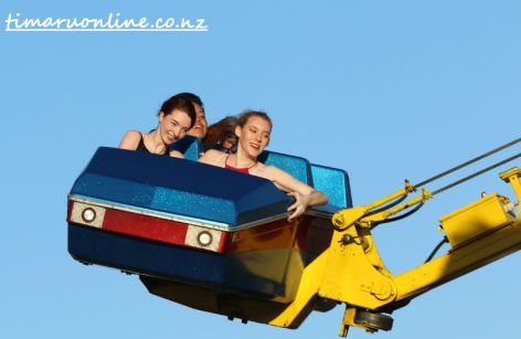 caroline-bay-carnival-new-years-day-0004