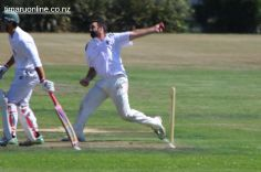 cricket-at-point-0002