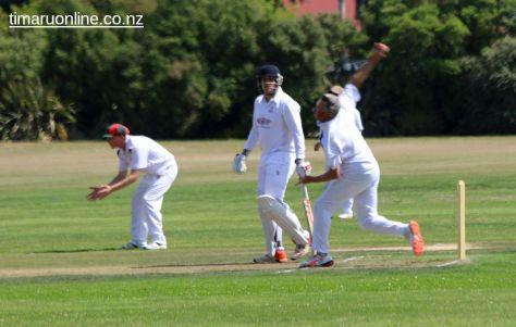cricket-at-point-0047