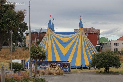 zirkas-circus-0001