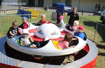 childrens-day-outside-0100