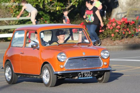 Rock n Hop Car Parade 00139