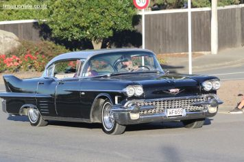 Rock n Hop Car Parade 00165
