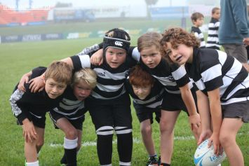 Junior Rugby Kicks Off 00028