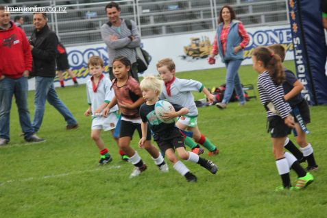 Junior Rugby Kicks Off 00155