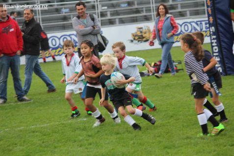 Junior Rugby Kicks Off 00155