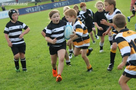 Junior Rugby Kicks Off 00233