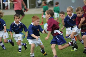Junior Rugby Kicks Off 00309