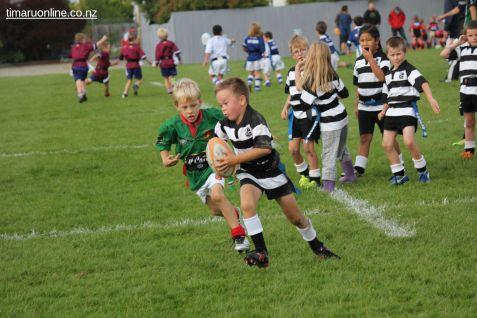 Junior Rugby Kicks Off 00364