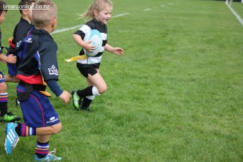 Junior Rugby Kicks Off 00439