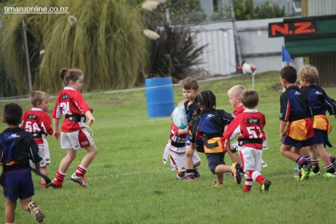 Junior Rugby Kicks Off 00452