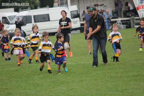 Junior Rugby Kicks Off 00482