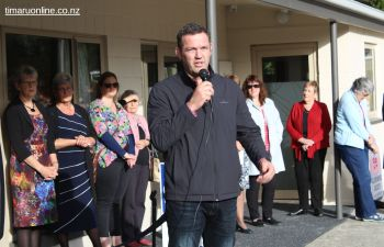 "Reuben Thorne, former All Black captain and ""Champion for Dementia"" congratulates Diane Nutsford and her team for the transformation and development of the Park Centre complex."