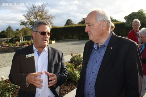 Michael Parker (CEO, Presbyterian Support SC) and Ron Luxton (SCDHB) in conversation