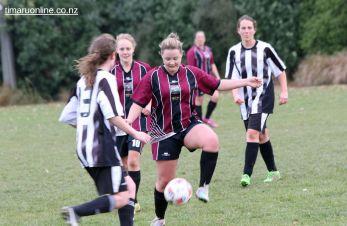 Tka v PlPt Womens Football 0112
