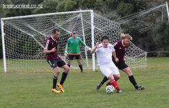 Point v Hearts Reserves Football 0028