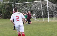 Point v Hearts Reserves Football 0035